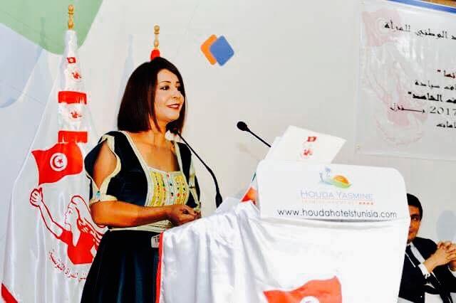 من خلال تجربتها في تغطية الأحداث في ليبيا وتونس الصحفية مبروكة خذير تكشف مكانة المرأة