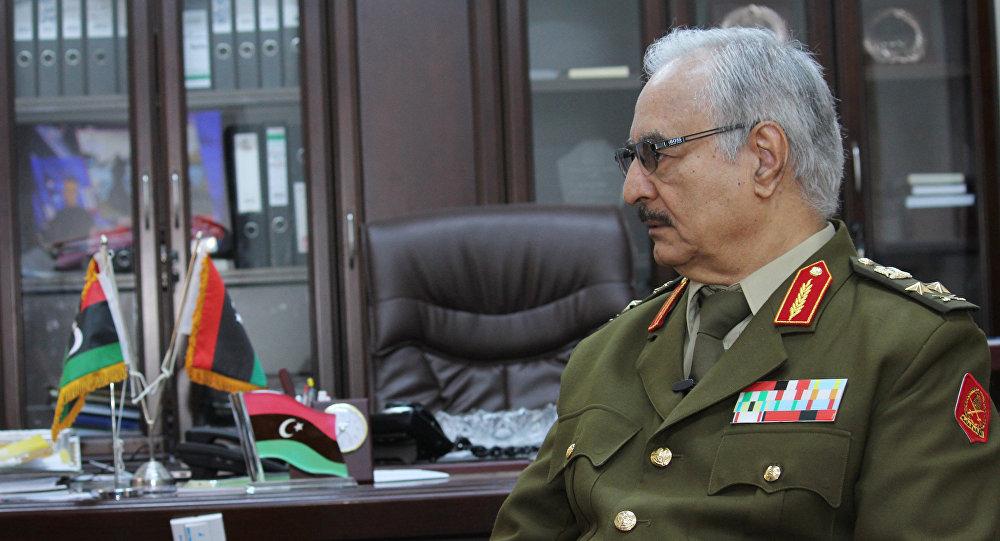 أنباء عن موت حفتر سريرياً وإمكانية تعيين قائد عام جديد للجيش الليبي