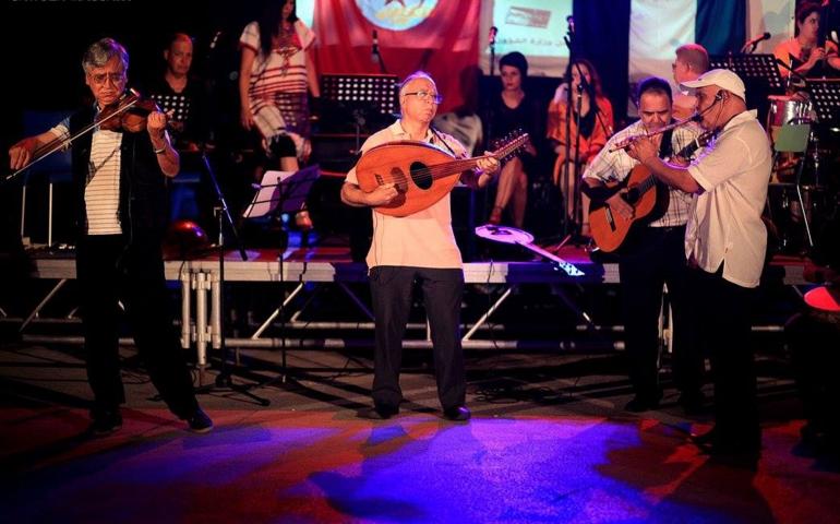 اختتام مهرجان حومتنا فنانة: على هذه الأرض ما يستحق الحياة