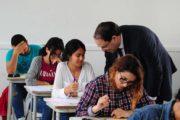 رئيس الحكومة يعلن عن جملة من الإجراءات والقرارات الهامة لفائدة الطلبة