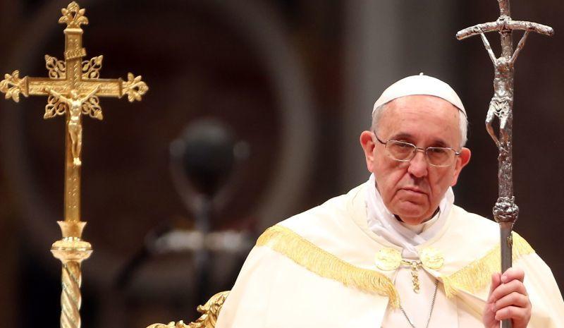 بابا الفاتيكان: على العالم التحول إلى الطاقة النظيفة، التغير المناخي يدمر الإنسانية