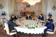 رئيس الجمهورية يشرف على إجتماع بحضور هؤلاء