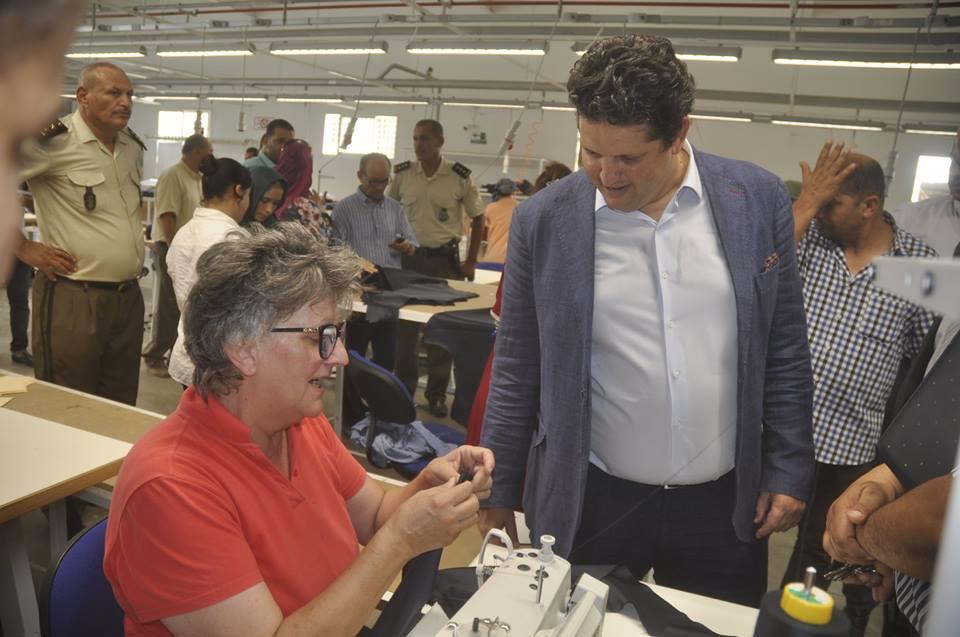وزير التجارة عمر الباهي يؤدي زيارة متميزة لولاية القيروان