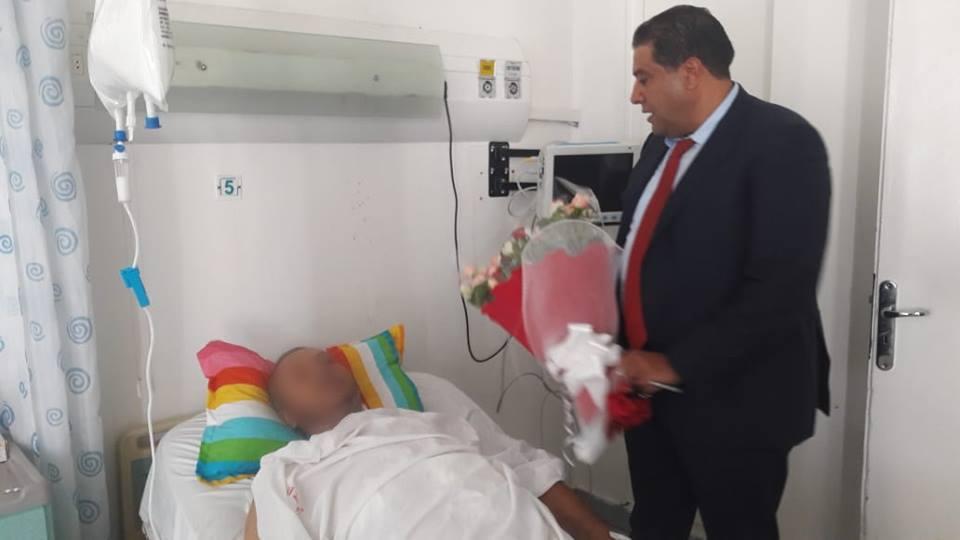 المدير العام للديوانة يطمئن على صحة عون الديوانة المصاب خلال أحداث التصدي لمجموعة من المهربين