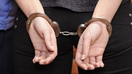 العمران القبض على امرأة مفتش عنها وصادر في شانها حكم ب 28 سنة سجن