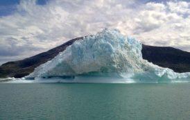 ما سر الجبال الجليدية الخضراء
