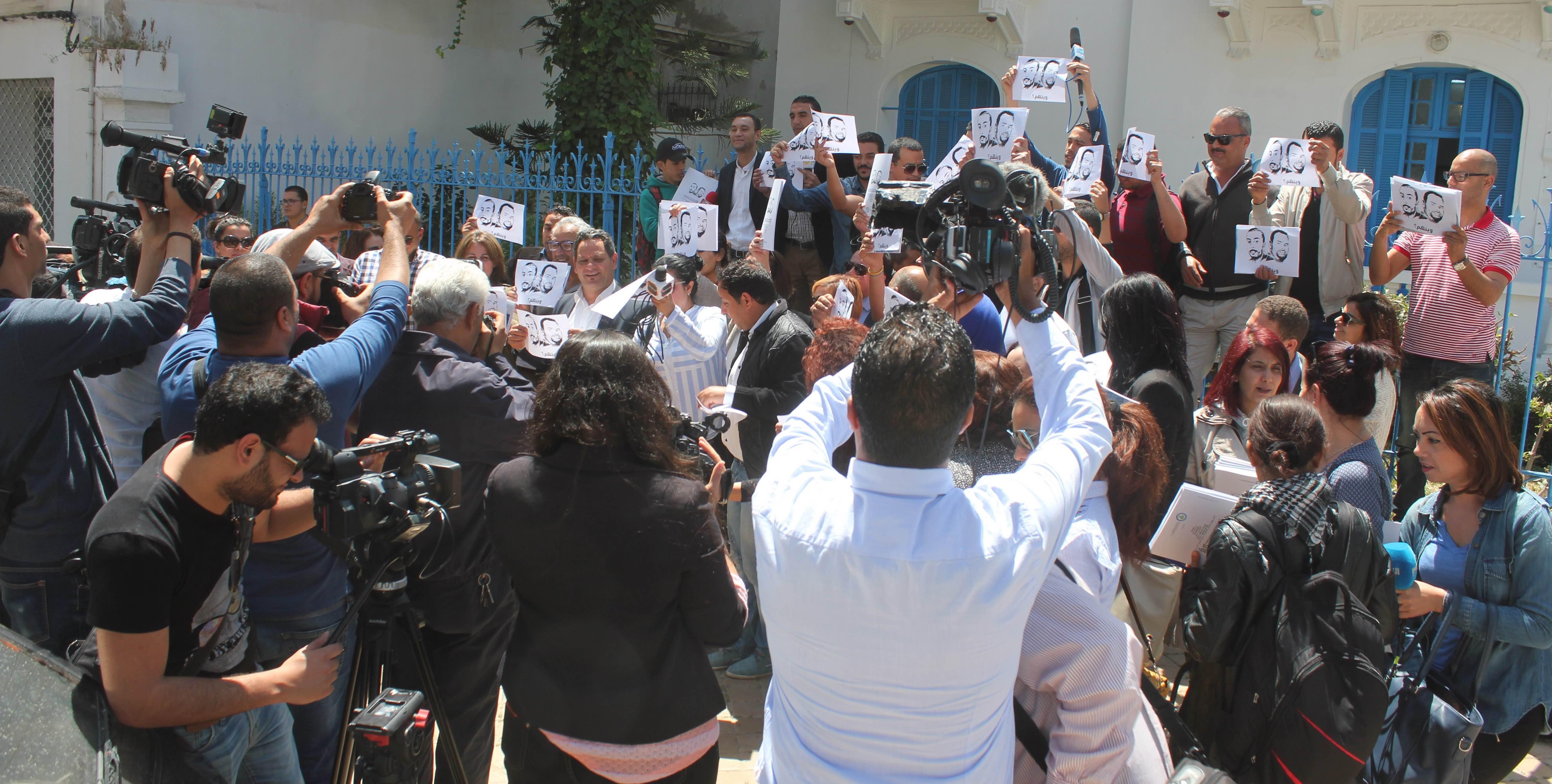 وحدة الرصد بمركز السلامة المهنية بالنقابة الوطنية للصحفيين التونسيين تكشف عن حجم الإعتداءات
