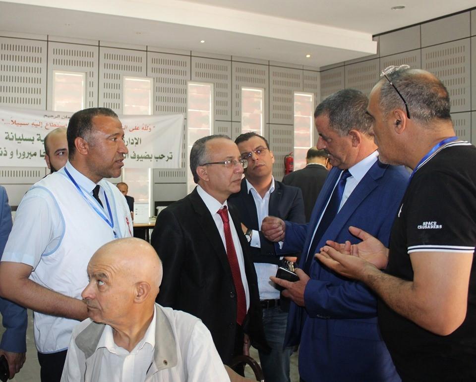 والى سليانة يشرف على افتتاح الشباك الموحد لاستكمال إجراءات السفر للبقاع المقدسة