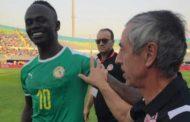 بعد أن ظهر ضاحكا مبتهجا.. آلان جيراس يثير سخط الجماهير التونسية