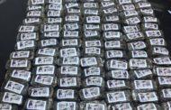 القبض على مسافر فرنسي الجنسية بحوزته 120 صفيحة قنب هندي أخفاها في عجلة إحتياطية