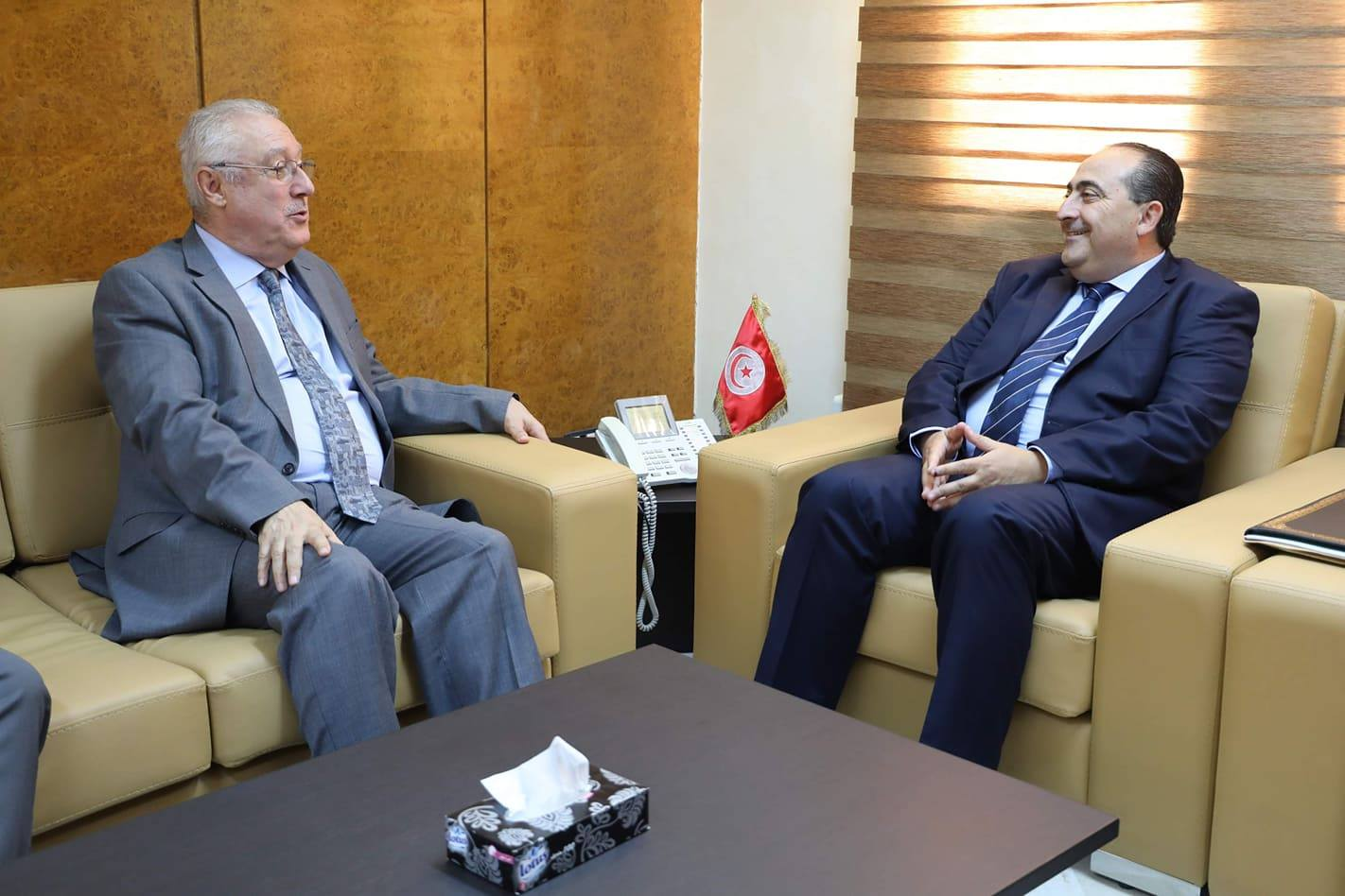 لقاء وزير النقل مع الامين العام للاتحاد العربي للنقل الجوي