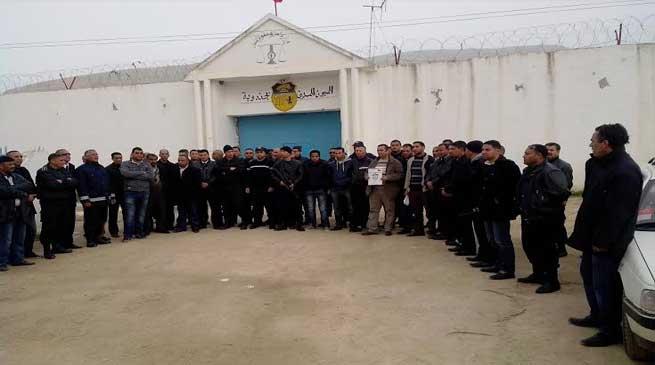 """صورة """"عقوبة العمل لفائدة المصلحة العامة"""" شرط من شروط إصلاح منظومة السجون والإصلاح بتونس"""
