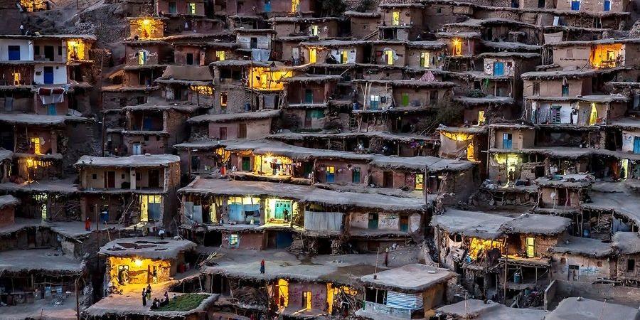 صورة إيران: نظام متخم و شعب جائع