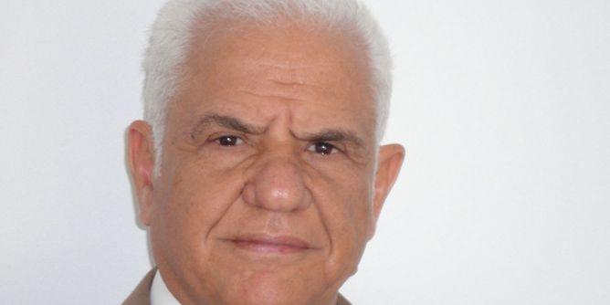 صورة أستاذ القانون والوزير الأسبق الصادق شعبان يوجه رسالة خطيرة إلى رئيس الجمهورية قيس سعيد