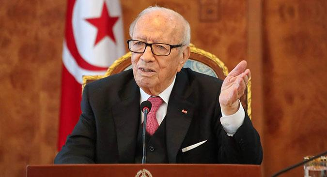 Photo of في عيد الجلاء، السبسي يرفض التحدث عن تونس في بنزرت!!!