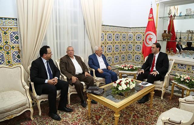 Photo of الهاروني: حكومة الشاهد لم تفشل والتوجه للتحوير الكلي أو جزئي للحكومة غير ممكن