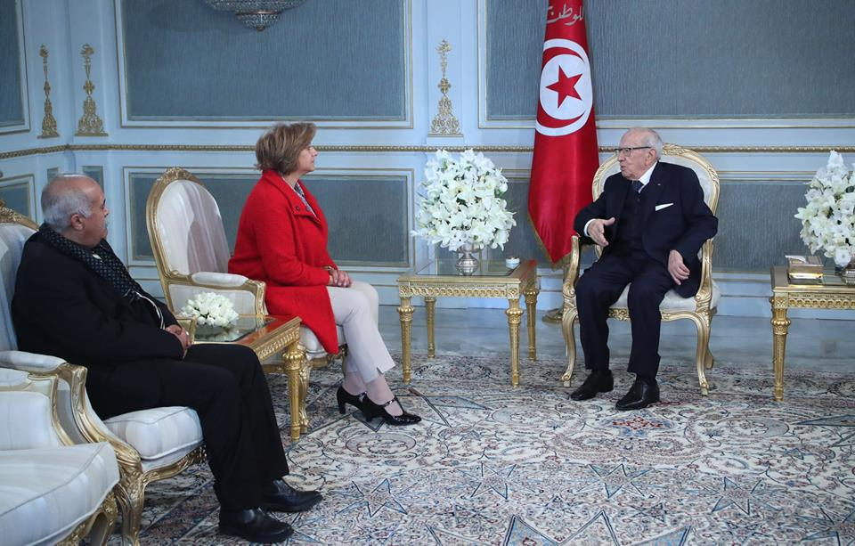 Photo of رئيس الجمهورية يشدد تمسكه بإظهار كامل الحقيقة في أسرع الآجال