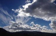 طقس اليوم: انخفاض في درجات الحرارة ورياح قوية