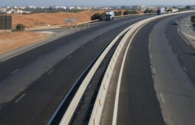 صورة وزارة النقل ترخص لسيارات اللواج وتفرض زيادة بــ 50% على الحرفاء