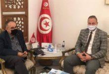 صورة لقاء يجمع وزير الشؤون الاجتماعية برئيس جمعية تونس للسلامة المرورية