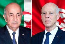 صورة مكالمة هاتفية تجمع رئيس الجمهورية التونسية ورئيس الجمهورية الجزائرية