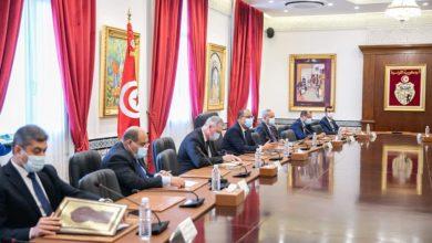 صورة رئيس الحكومة يشرف على اجتماع لجنة 5 زائد 5 مع اتحاد الفلاحين