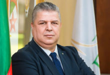 صورة انتخاب شرف الدين عمارة رئيسا للجامعة الجزائرية لكرة القدم