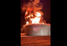 صورة حريق كبير في منشأة طاقة في عسقلان