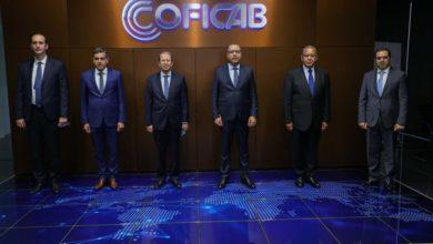صورة رئيس الحكومة يؤكد دعمه لكل الشركات التونسية التي تستثمر في الخارج