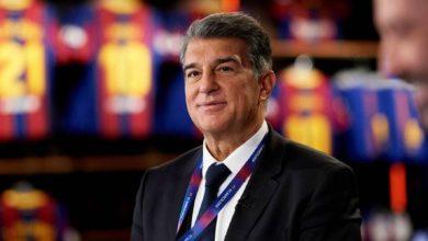صورة لابورتا رئيس برشلونة يؤكد أنّ مفاوضات تمديد عقد ميسي مستمرة بشكل جيد