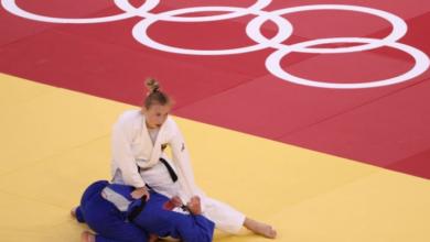 صورة الاتحاد الدولي للجودو يحذر مدربا صفع بطلة العالم على وجهها في أولمبياد طوكيو