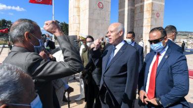 صورة قيس سعيد يحمل لواء المقاومة والمقاومون يؤكدون أن الرئيسة نجلاء بودن إبنتهم