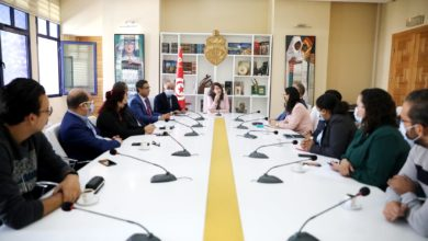 صورة وزيرة الشؤون الثقافية تدعو لضرورة التنسيق بين مكتبي الإعلام والاتصال بالوزارة ومدينة الثقافة